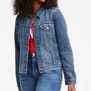 Levi's denim trucker jacket medium